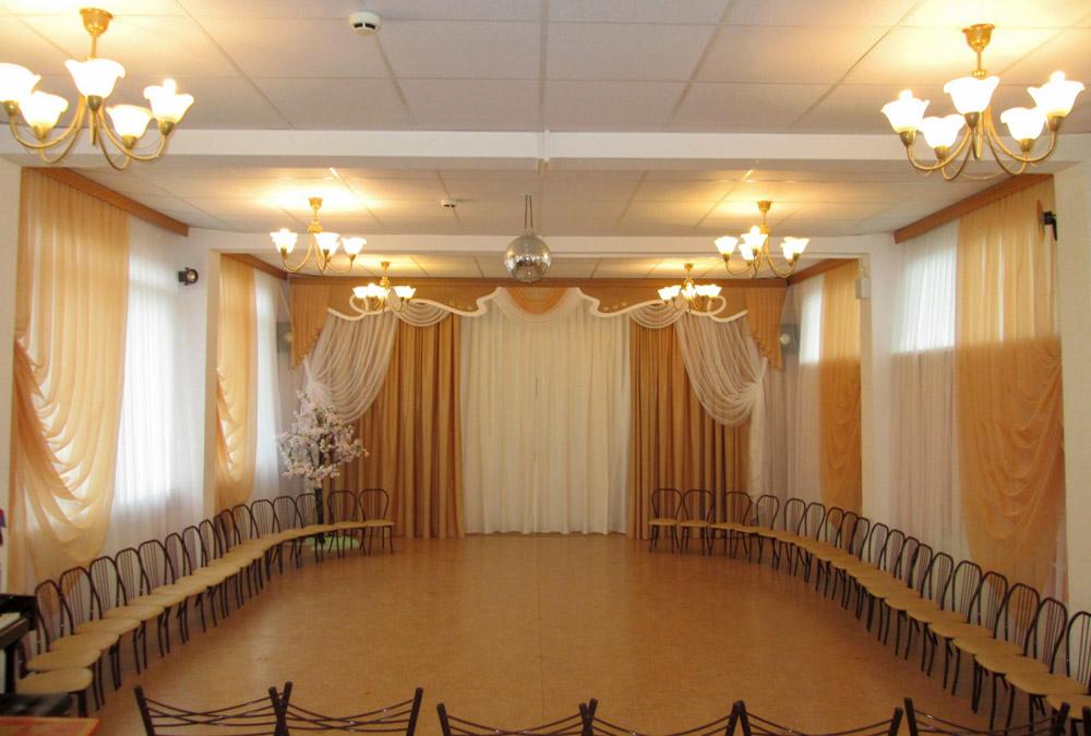 Занавес и шторы в музыкальный зал детского сада. Фото 1