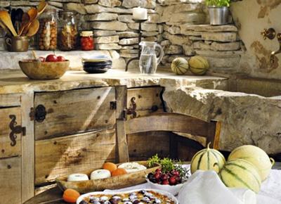 Дизайн кухни-гостиной загородного дома в деревенском стиле, стиле Кантри
